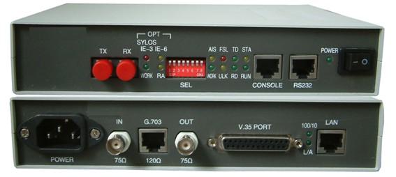 FOM-E1光纤调制解调器是采用专用集成电路研制的高性能E1光纤调制解调器,它将一个成帧或非成帧的E1数据信号直接调制到单模或多模光纤上,送入光缆线路传输。在光缆的另一端,光信号被解调成成帧或非成帧的E1数据信号。E1口可直接接图象、数据终端的E1口或复用器、交换机、路由器的WAN端口,可组成专网或进行广域网连接。本调制解调器为单板结构, 具有集成度高、体积小、重量轻、光电合一、工作稳定可靠、功耗低、操作维护简单方便等